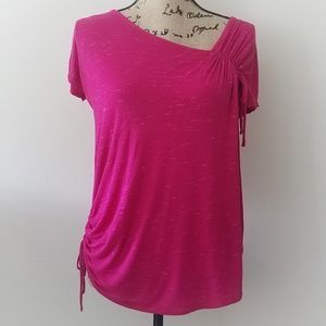 Motherhood Maternity pink fuschia tee shirt